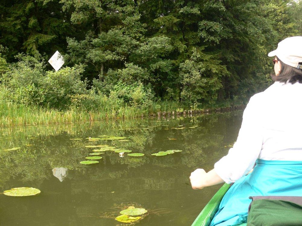 das trübe Wasser des Augustow Kanals